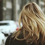 現役美容師が教えるフケの原因と対策