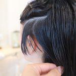 ショートヘアはサイドから切る場合もあります。