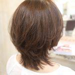 軽いスタイルが好きな方へオススメのミディアムヘア