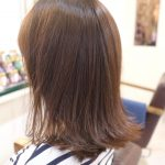 外ハネスタイルが作りやすい人気のミディアムヘア