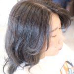 暗めの髪色でも楽しめるヘアカラーをご提案します👌